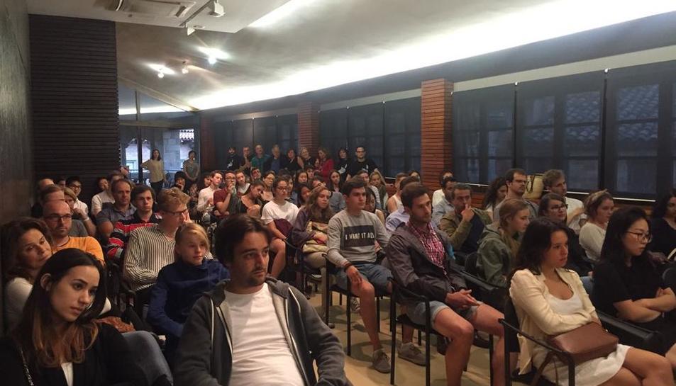 Los participantes en la Acadèmia de Música de Solsona, ayer en la recepción en el ayuntamiento.