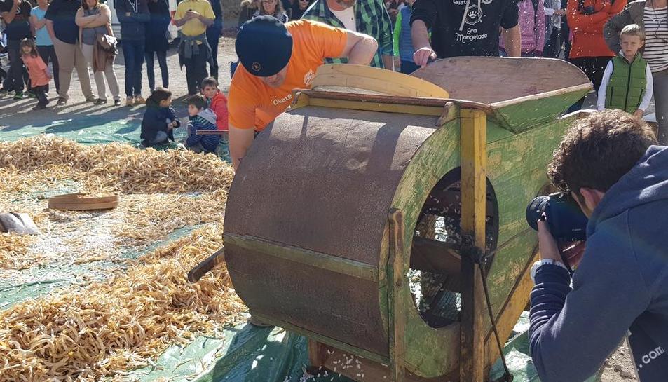 Una de las actividades de ayer con motivo de la feria ganadera y gastronómica en Bossòst.
