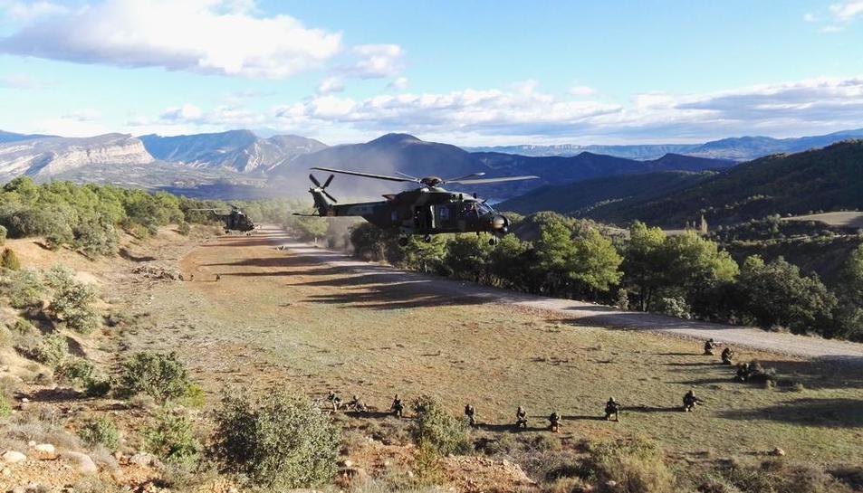 Helicópteros el jueves en las maniobras en el Pallars Jussà.