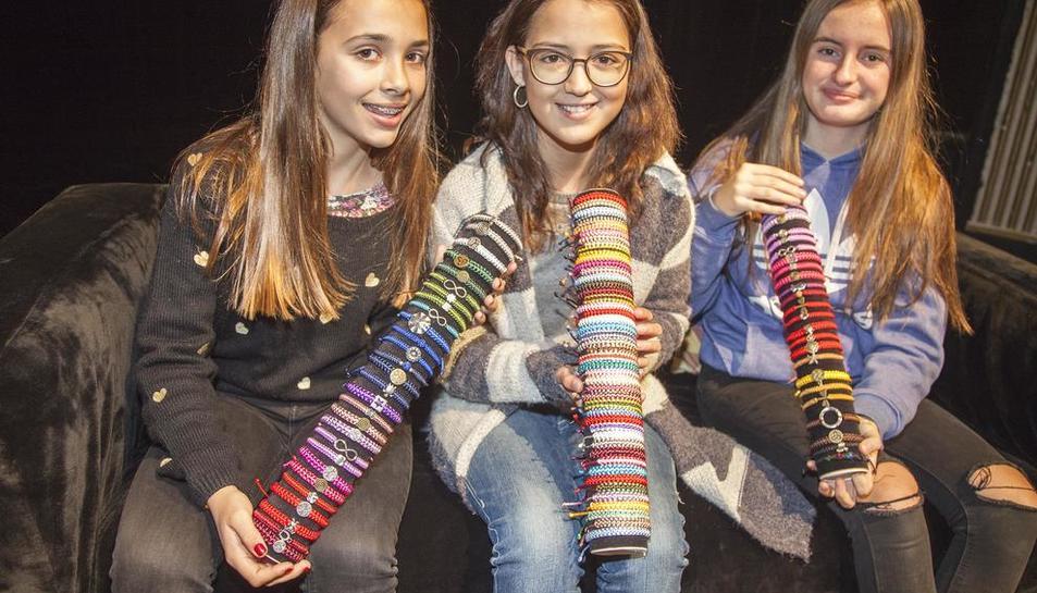 La Daniela, la Candela i la Mariona, impulsores del projecte solidari.
