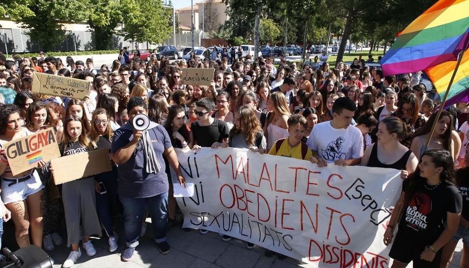 Imatge de la concentració organitzada pels alumnes del Gili i Gaya el mes de juny passat.