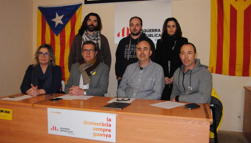 Els regidors d'ERC del Pla que ahir van manifestar el seu malestar.