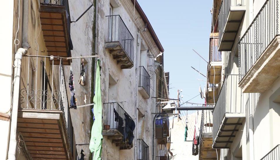 Imatge del carrer Botera del centre històric de Balaguer.