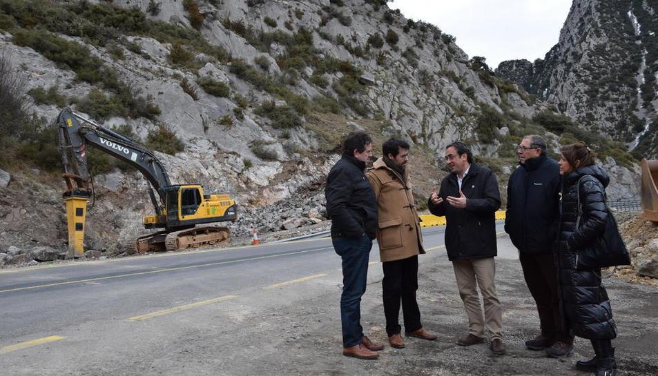 Josep Rull va visitar les obres de Tres Ponts.