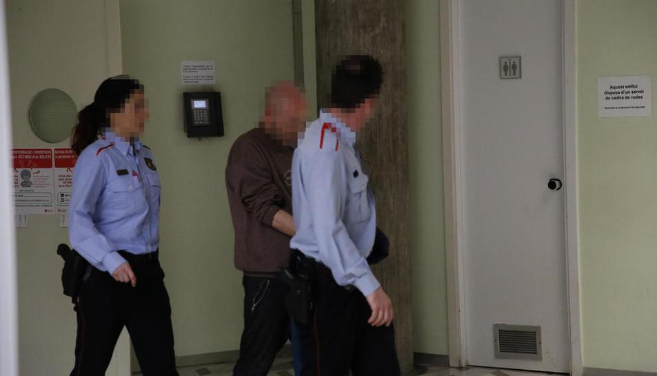 L'acusat, dimarts, després de la posada a disposició del jutjat de guàrdia de Lleida.