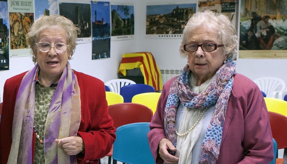 Una imagen de las hermanas Rosa y Cecília Huguet, que ceden el Centro a la población.