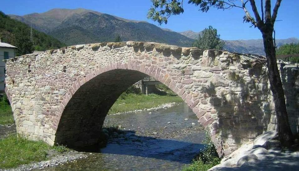 Imatge d'arxiu del pont vell de Vilaller.