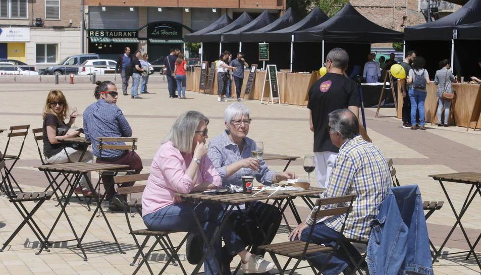Les temperatures a l'alça van acompanyar ahir els visitants del festival gastronòmic a la plaça de la Llotja de Lleida.