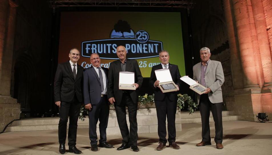 Fruits de Ponent va homenatjar els expresidents davant de més de 400 assistents a l'acte dels 25 anys.