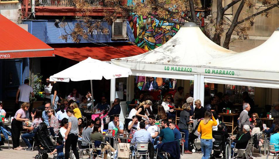Les terrasses de bars proliferen a la ciutat de Lleida.