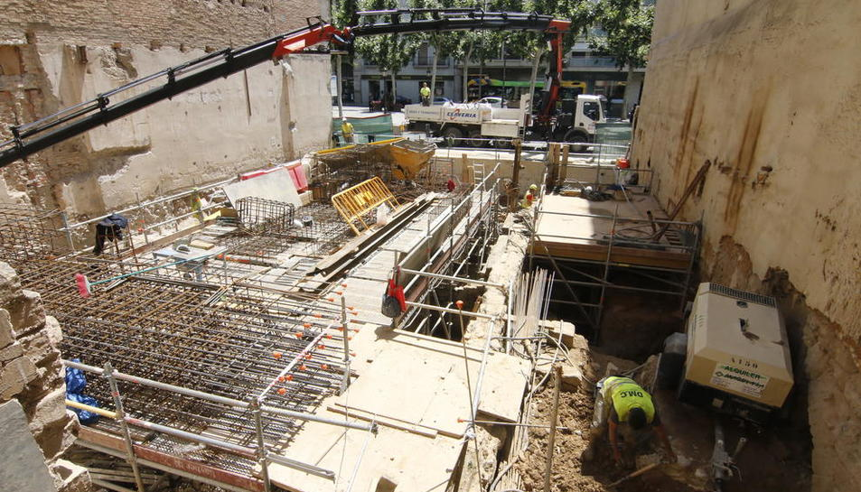 Imatge de les obres de construcció del nou edifici de la Diputació a la rambla Ferran.