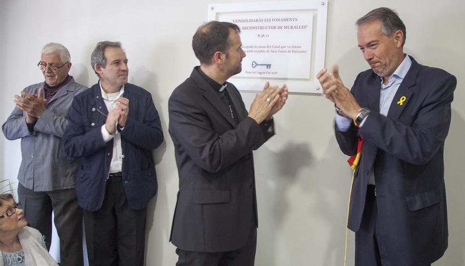 El bisbe i les autoritats, a l'acte d'homenatge a mossèn Garriga.