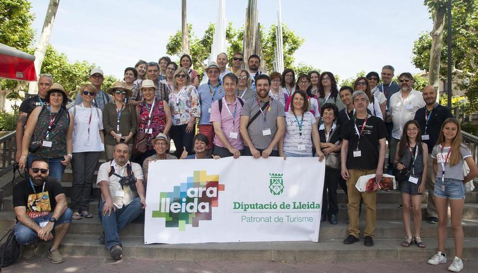 Instagramers siguen los pasos de Manuel de Pedrolo en Tàrrega