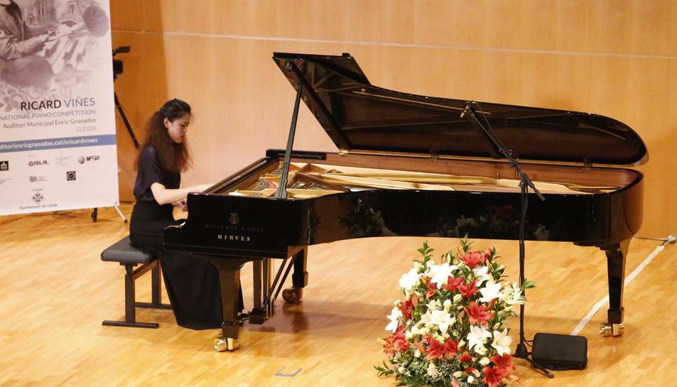 Una de les participants ahir en les proves de semifinals del concurs Ricard Viñes.