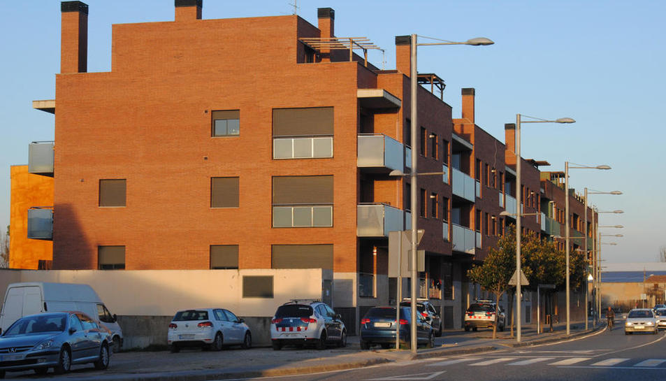 Bloque de El Trenquet de Mollerussa en el que se han comprado viviendas.