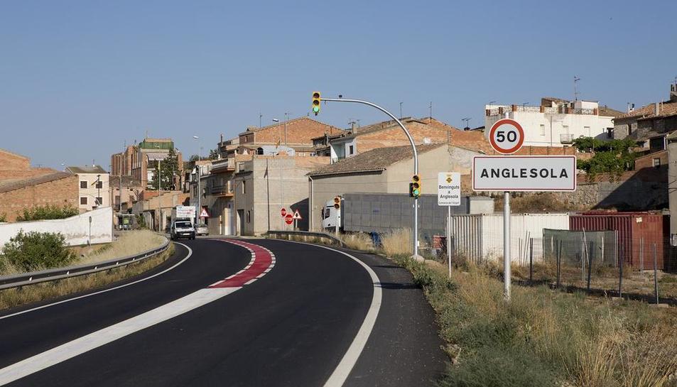 Imatge d'un dels accessos del municipi d'Anglesola.