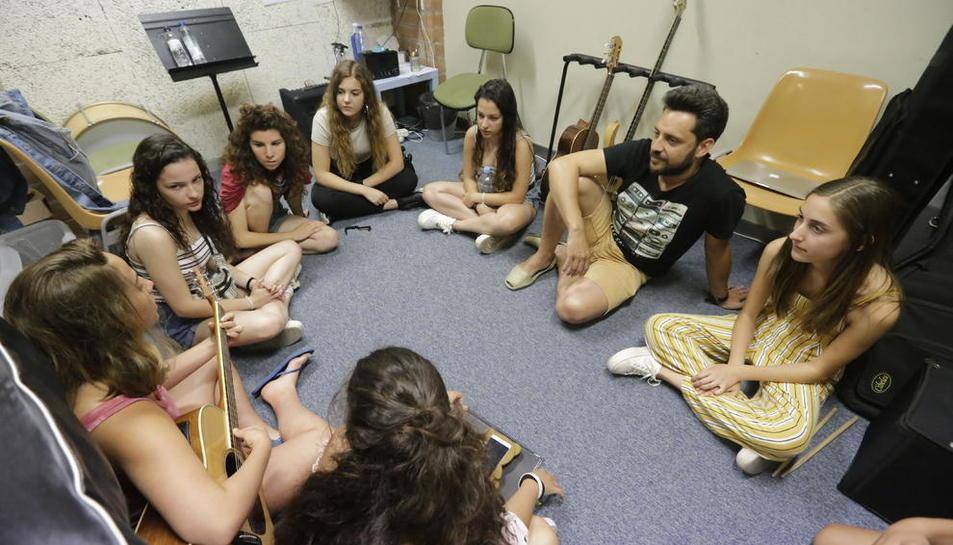 Una de las primeras classes del Campus Rock Lleida que tuvieron lugar eyer en la escuela L'Intèrpret.