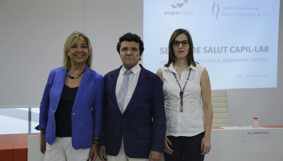 El equipo de Avantmèdic junto al doctor Vila-Rovira, ayer en Lleida.