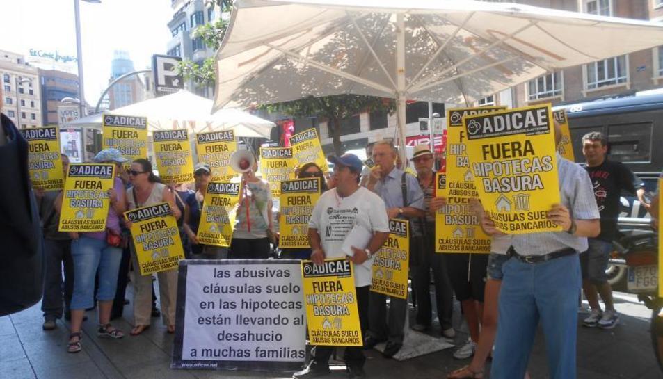 Imagen de archivo de una protesta por las cláusulas suelo.