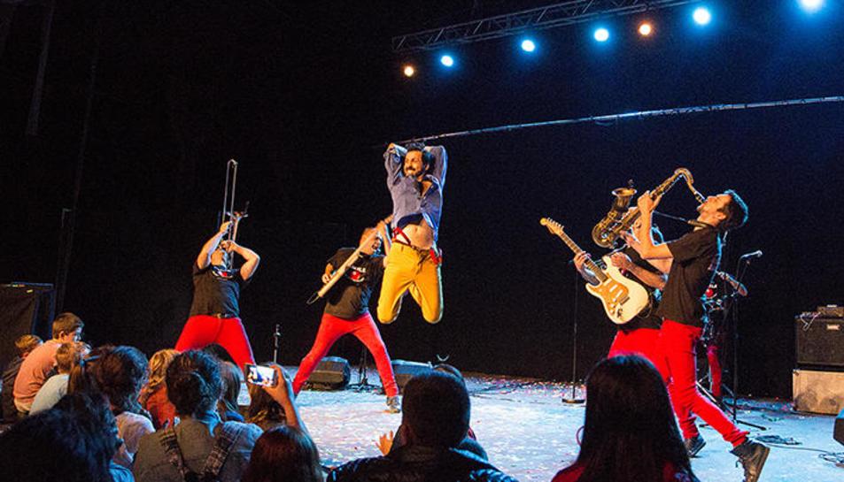 Espectáculo de Marabunta en una edición anterior de Esbaiola't.