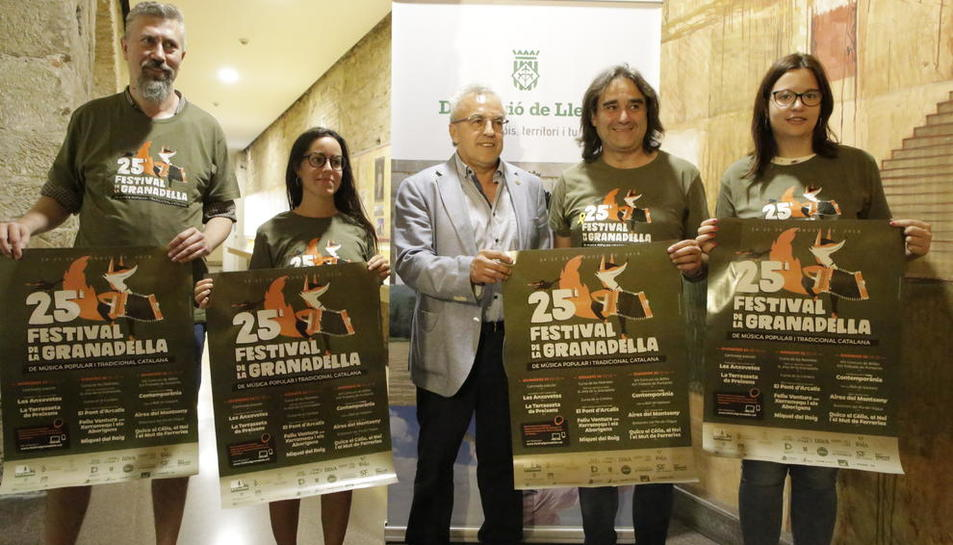 Organizadores y autoridades, ayer en la Diputación tras presentar el Festival de La Granadella.
