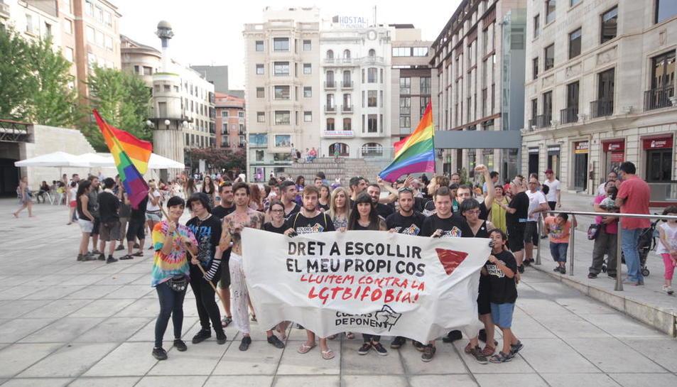 Uno de los actos de Colors de Ponent en la plaza Sant Joan de Lleida.