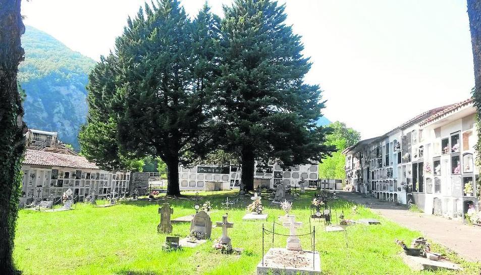 Imagen del interior del cementerio de El Pont.