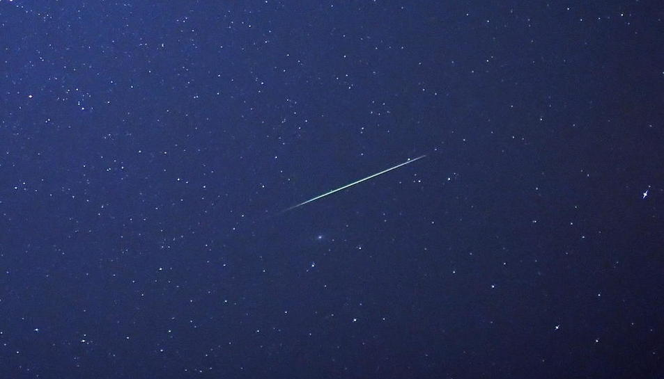 Imagen de archivo de una estrella fugaz.
