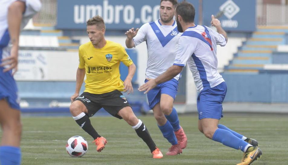El Lleida Esportiu no va ser capaç de superar l'Europa, molt més rodat de cara al seu debut.
