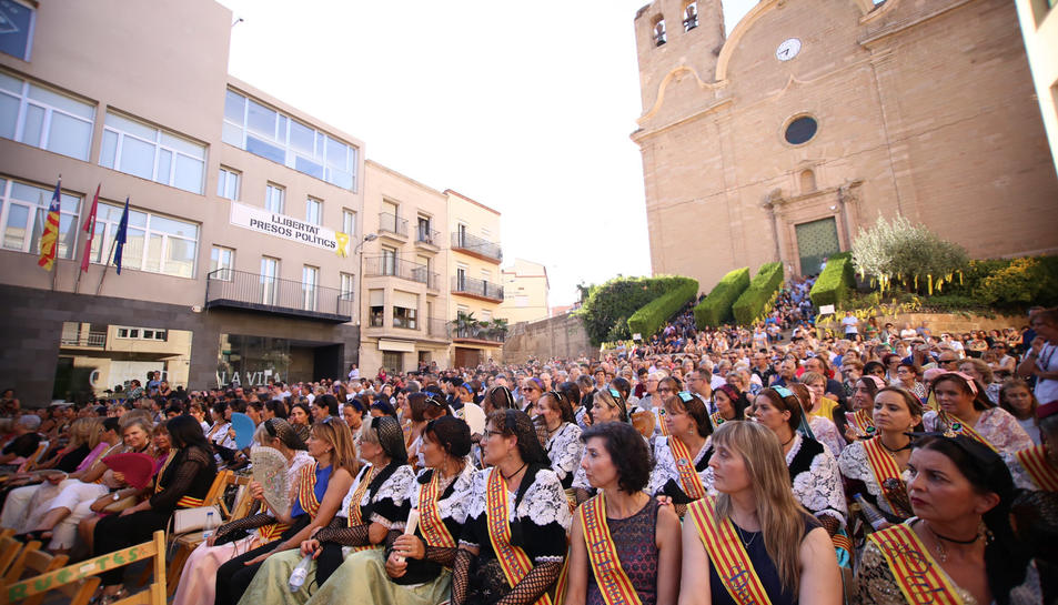 Alcarràs celebra mig segle de pubilles a la festa major