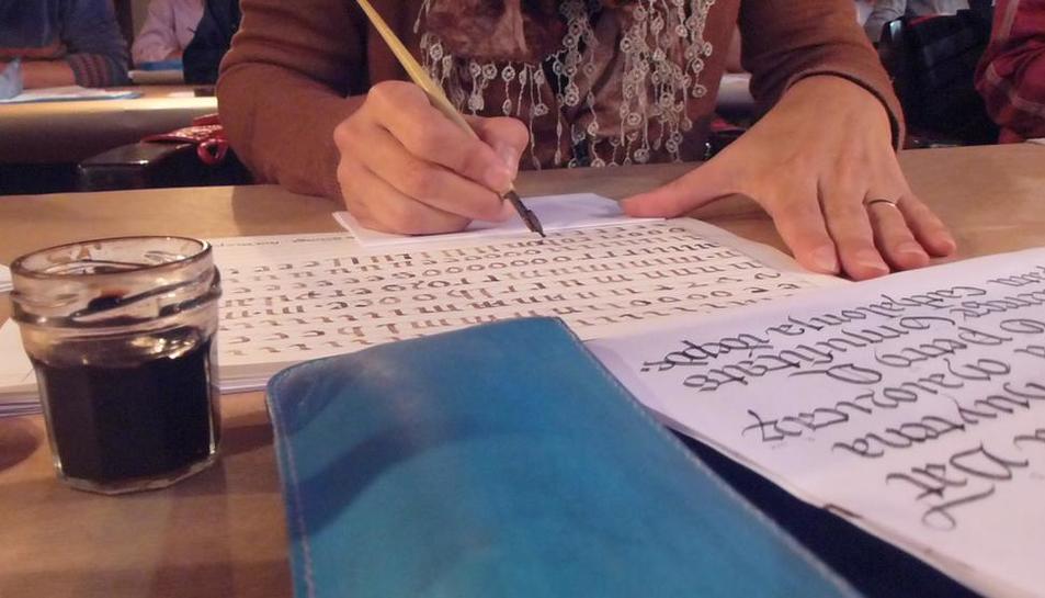 Curs a l'Arxiu Comarcal per aprendre cal·ligrafia gòtica i itàlica.