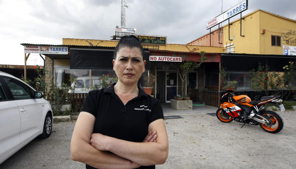 Yolanda Partida, ante el restaurante que dirige desde 2012.