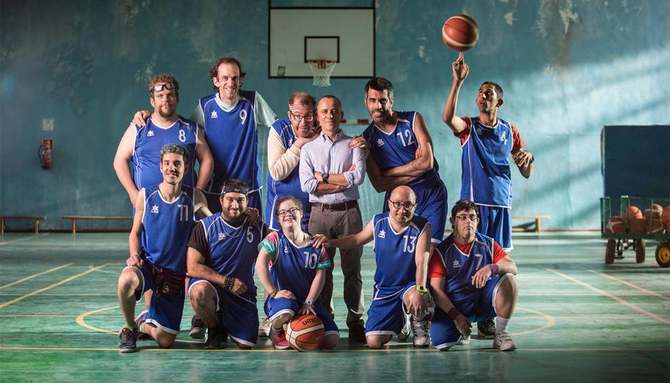 Imagen de los actores que protagonizan 'Campeones'.