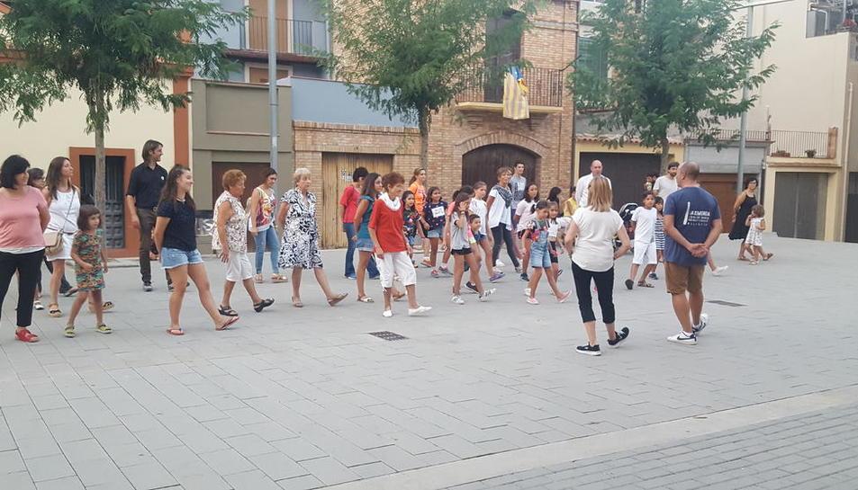 Taller organitzat dijous passat per assajar els passos de la dansa 'La Galop de Balaguer'.