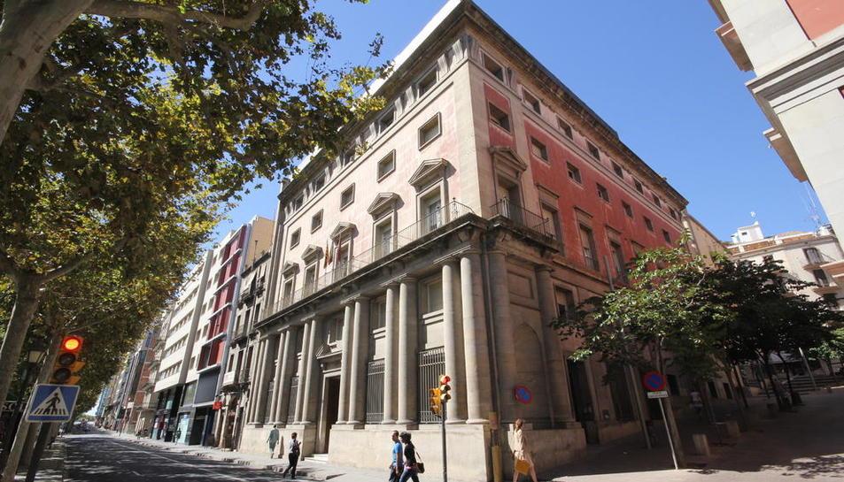 L'edifici de l'antiga Audiència Provincial a la rambla Ferran ja està 'buit' després de la recol·locació del personal i serveis municipals.