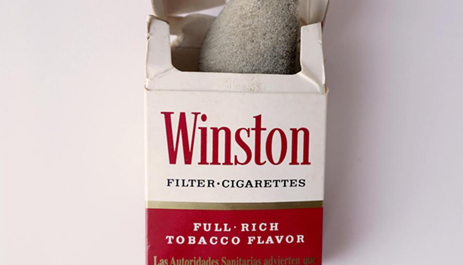 Es va trencar accidentalment i el va guardar en un paquet buit de cigarros