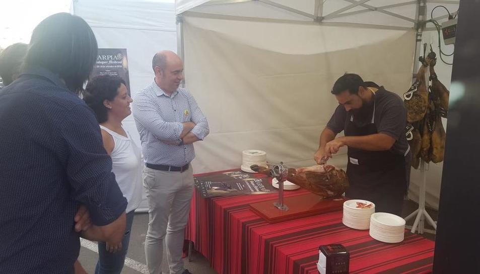 L'alcalde de Balaguer, Jordi Ignasi Vidal, durant la inauguració d'aquest certamen especialitzat.