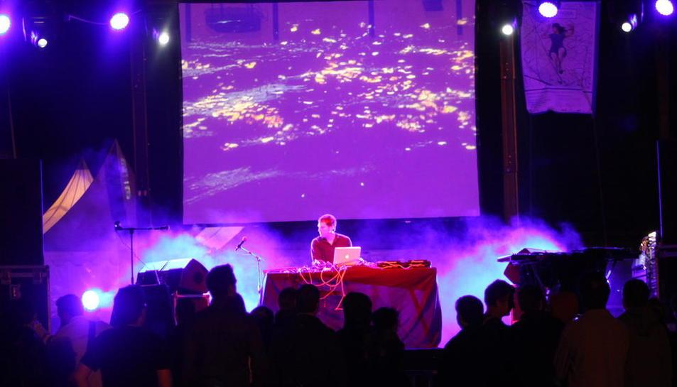 Una actuació de l'edició del 2012 de la Nit Sonora, al baluard de la Reina de la Seu Vella.