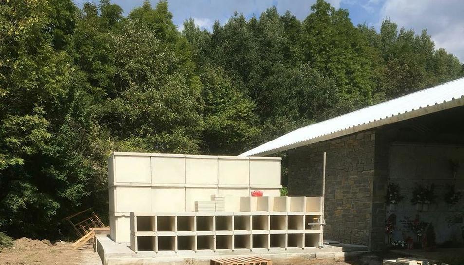 Les obres d'ampliació del cementiri de Vilaller.