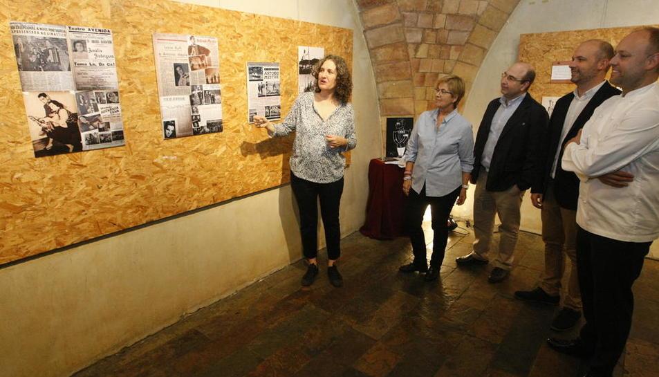 Presentación ayer del festival en el Cafè del Teatre, que exhibe una exposición sobre António Mestre.