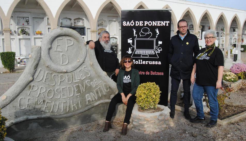 La presentació de 'Nit d'ànimes' es va dur a terme al cementiri.