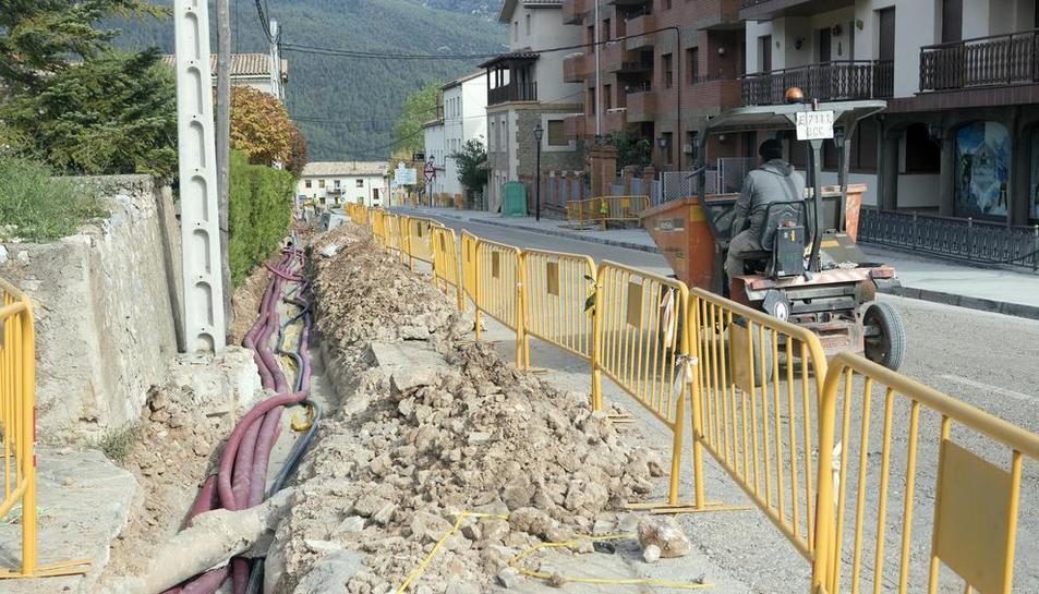 Imagen de las obras a la entrada de Sant Llorenç de Morunys.