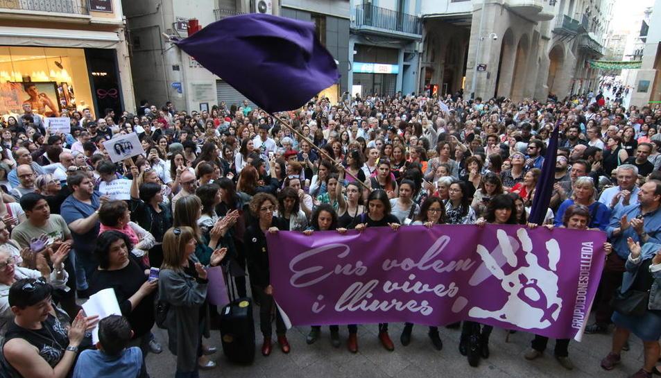 Concentración contra la violencia machista en Lleida.