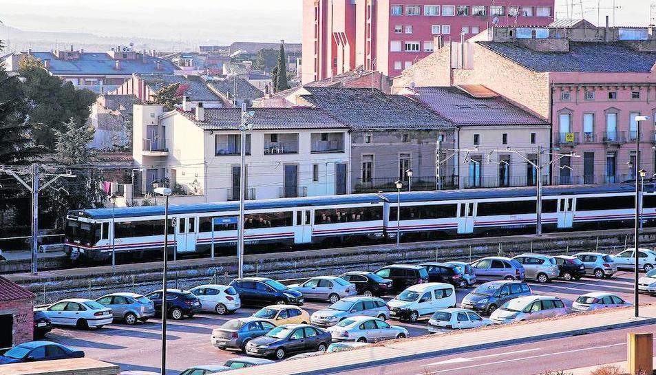 Un tren que llegó con retraso a Tàrrega el pasado sábado.