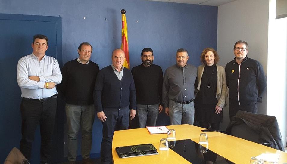 El conseller El Homrani amb els representants de la FCAC.