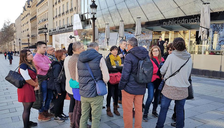 Imagen de los comerciantes de Solsona y Cardona en París.