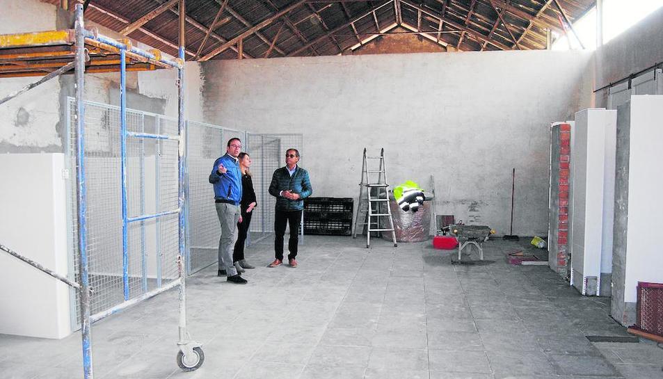 Solsona, Lavín i Carbonell van visitar ahir les instal·lacions.