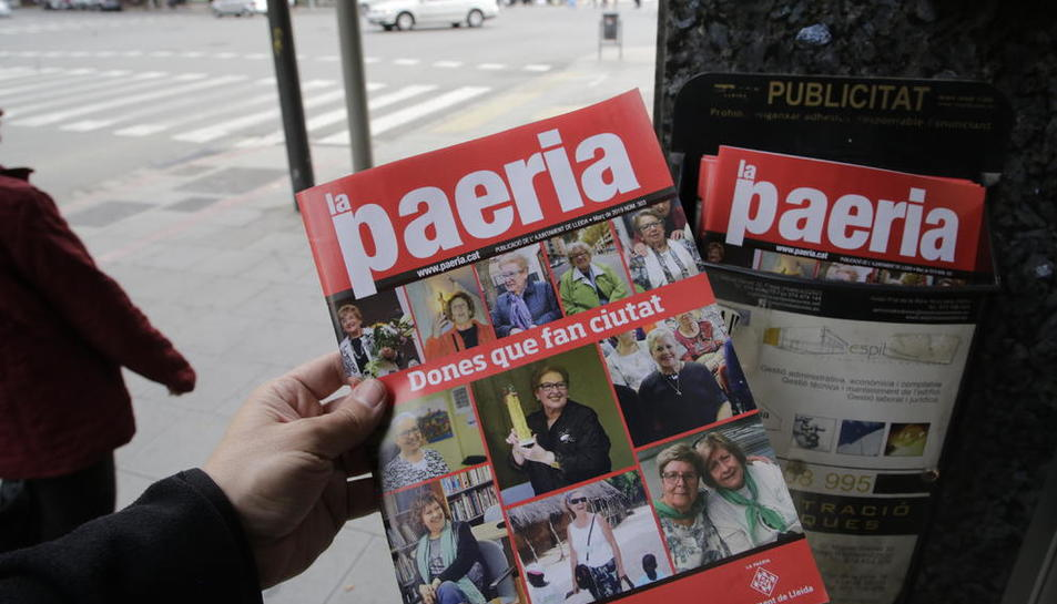 La revista de la Paeria va aparèixer ahir en bústies, com aquesta a Ronda.