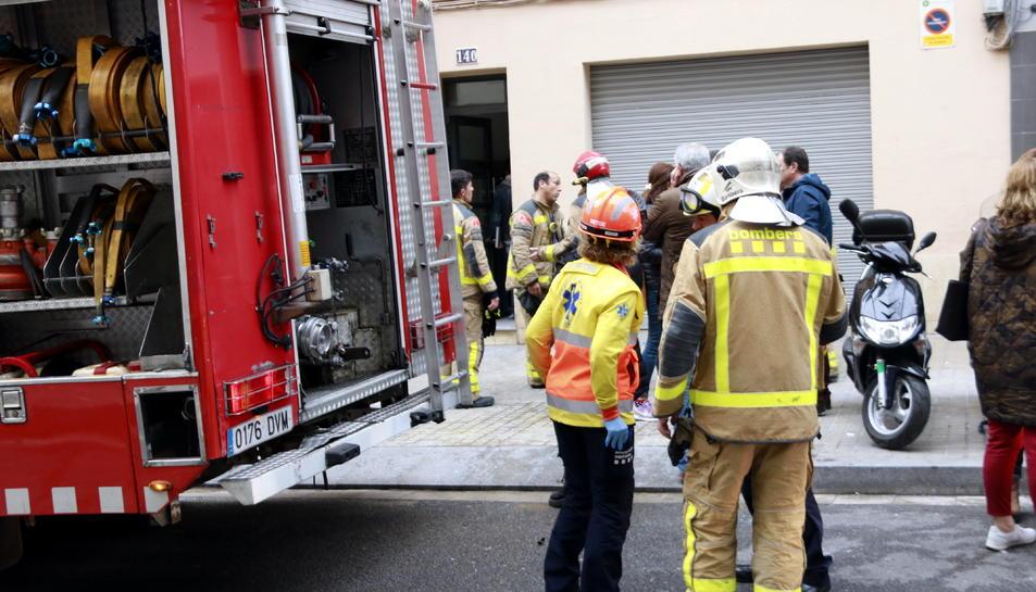 Moren una dona i un menor de 3 anys en un incendi a l'Hospitalet de Llobregat