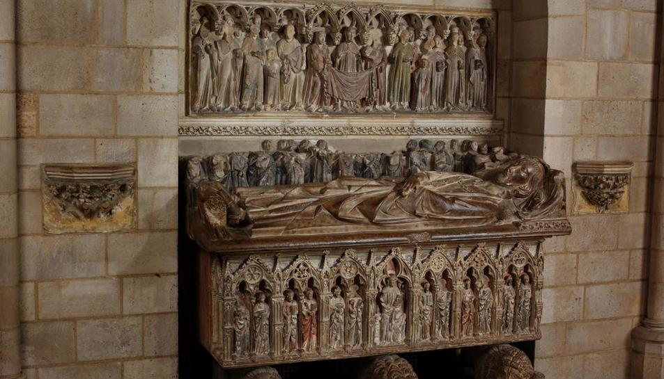 Sepulcro de Àlvar II, vizconde de Àger y hermano del conde Ermengol X, en The Cloisters de Nueva York.